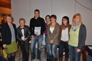 Die Damen des Frauenbundes und die Mitglieder der Interessensgemeinschaft. Foto: mb
