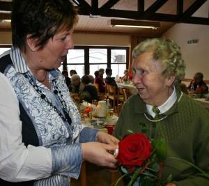 Die älteste Teilnehmerin Therese Spangler, die im letzten Jahr ihren 90. Geburtstag begehen konnte. Fotos: Ingrid Kroboth