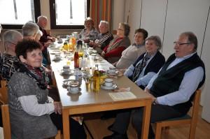 Das miteinander Ratschen stand beim Seniorennachmittag im Mittelpunkt. Fotos: Markus Bauer