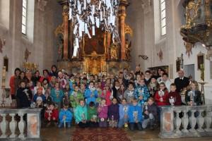 Die Kinder des Kinderbibeltages am Schluss des Familiengottesdienstes.