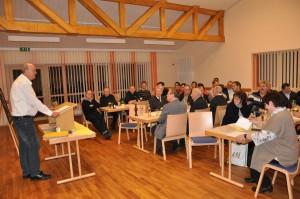Festleiter Walter Liedtke informierte über den Stand und die Gestaltung des 150-jährigen Jubiläums der Kolpingsfamilie. Foto: Markus Bauer